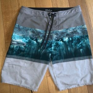ONEILL BOARD SHORTS FOR CHEAP size 32